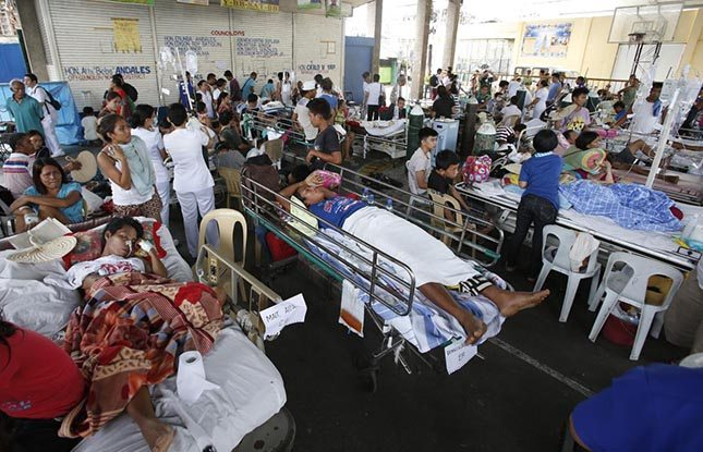 philippines-earthquake-patients.jpg